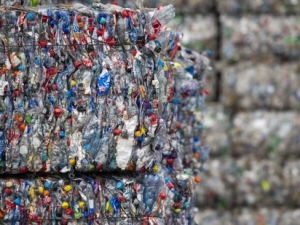 Canadian firm turns non-recyclable plastics to fuel