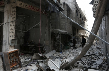 Eastern Ghouta: Syrian government forces clash with rebels