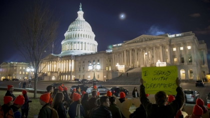 US government shutdown extends into working week