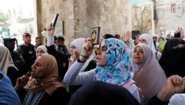 Islamic Waqf gives go ahead for prayers at al-Aqsa
