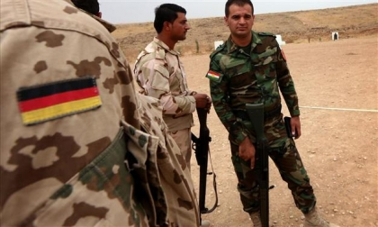 Germany sends weapons to the Peshmerga forces and the Iraqi army