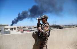 Iraqi forces pound Mosul's Old City ahead of ground op