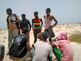 Nearly 200 refugees 'thrown' into Yemen sea, 50 missing