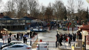 Iraq arrests Mosul ferry owners after deadly disaster