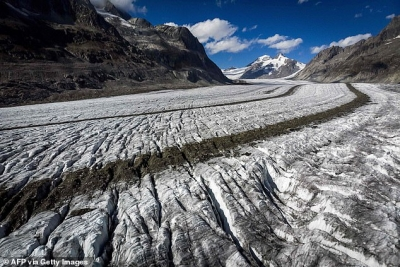 'Glacier melting hits record levels in Switzerland'