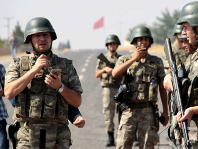 3 Turkish soldiers killed in clashes with PKK