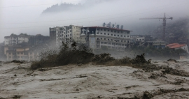 Dozens killed in China floods as rivers overflow