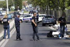 One killed as car hits pedestrians in France