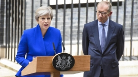 UK: May to form minority govt after shock at polls