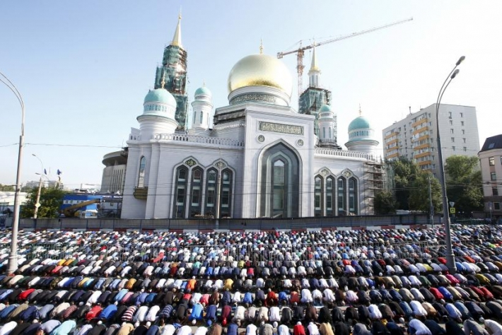Russia made the muslims Eid prayer prayers in Moscow