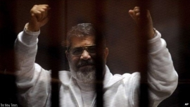 Egypt's Mohamed Morsi has death sentence overturned