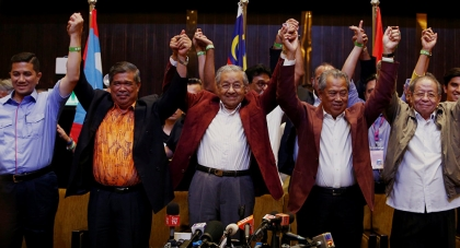 Malaysia: Election victor seeks 'urgent' new government