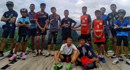 Thailand cave rescue: Boys lost 2kg but are in 'good condition'