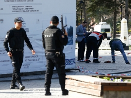 Blast near police station in Istanbul injures 5 people